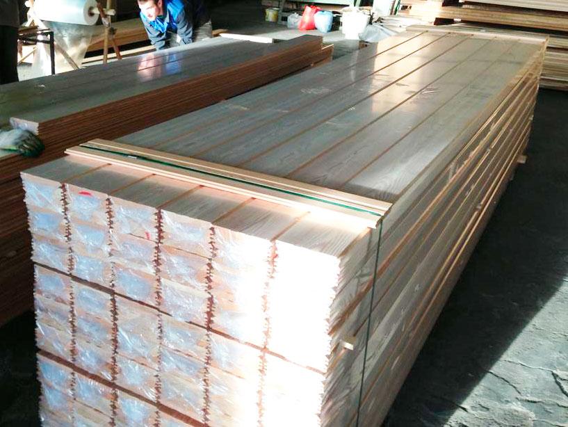 Упаковка древесины в термоусадочную пленку от компании Лес Резерв